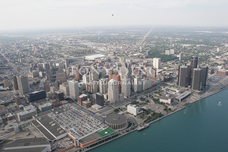 """Photograph taken from on board the Akron, Ohio based """"Spirit of Goodyear"""" airship on Monday, July 11, 2005 as it headed out to the start of the 2005 Major League Baseball All-Stars Homerun Derby at Comerica Park in downtown Detroit, Mich. (Photo by Tony Ding)."""