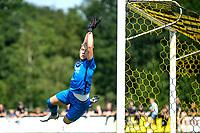 LEEK - Voetbal, Pelikaan S - FC Groningen , voorbereiding seizoen 2021-2022, oefenduel, 03-07-2021,  Pelikaan S doelman Levi de Ron
