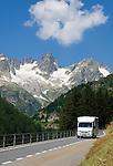 Switzerland, Canton Uri, camper at Sustenpass Road: Fuenffingerstock mountains with peaks Sustenhochspitz, Wendenhorn und Wasenhorn (f.l.t.r.)