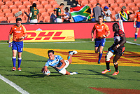 Felipe del Mestre (Argentina) scores his second try during the men's 7th place playoff against Fiji. Day two of the 2020 HSBC World Sevens Series Hamilton at FMG Stadium in Hamilton, New Zealand on Sunday, 26 January 2020. Photo: Dave Lintott / lintottphoto.co.nz