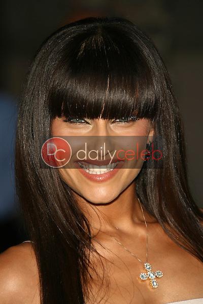 Nelly Furtado<br />at the 34th Annual American Music Awards. Shrine Auditorium, Los Angeles, CA. 11-21-06<br />Dave Edwards/DailyCeleb.com 818-249-4998