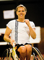 4-1-09, Renkum, NK rolstoeltennis, Esther Vergeer  bald haar vuist zij is de Nationaal kampioen rolstoeltennis 2009 door Korie Homan in de finale te verslaan.