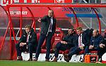 Nederland, Enschede, 26 april  2015<br /> Eredivisie<br /> Seizoen 2014-2015<br /> FC Twente-AZ<br /> Technische staf van FC Twente. V.l.n.r.: Youri Mulder, Alfred Schreuder, trainer-coach van FC Twente, Kees van Wonderen, Michel Jansen en Boudewijn Pahlplatz