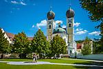 Deutschland, Niederbayern, Metten bei Deggendorf: Benediktinerabtei St. Michael, um 766 gegruendet, Klosterkirche | Germany, Lower Bavaria, Metten near Deggendorf: Benedictine Abbey, founded around 766