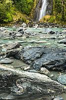 Thunder Falls and Haast River, Mount Aspiring National Park, UNESCO World Heritage Area, New Zealand, NZ