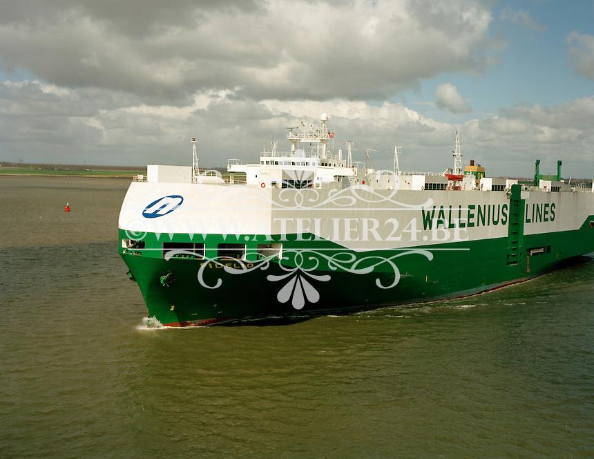 April 1994. Autoschip Fidelio van Wallenius Lines.