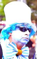 SAO PAULO - BRASIL -09-07-2014. Hinchas de Argentina y Holanda en las afueras  del estadio Arena Corinthians antes del encuentro de sus selecciones por la semifinal del mundial Brazil 2014. / Argentina and Holland fans outside the stadium before the match Corinthians Arena their selections for Brazil 2014 World Cup semifinal. Photo: VizzorImage / Alfredo Gutierrez / Contribuidor