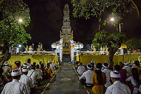 Denpasar, Bali, Indonesia.  Worshipers Attending Religious Ceremony on Occasion of the Full Moon.  Pura Jagatnatha Temple.