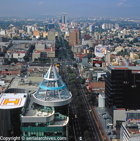 aerial photograph of Insurgentes Avenue, Mexico City