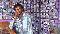 Addis Abeba,Etiopia. Negozio di cd musicali. Musical shop