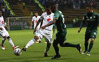 BOGOTÁ -COLOMBIA, 7-04-2018:Amaury Torralvo (Der) de La Equidad disputa el balón con Cesar Carrillo (Izq) de Millonarios  durante partido por la fecha 13 de la Liga Águila I 2018 jugado en el estadio Metropolitano de Techo de la ciudad de Bogotá./ Amaury Torralvo (R) player of La Equidad fights for the ball with Cesar Carrillo (L) player of Millonarios  during the match for the date 13 of the Aguila  League I 2018 played at Metropolitano de Techo stadium in Bogotá city. Photo: VizzorImage/ Felipe Caicedo / Staff