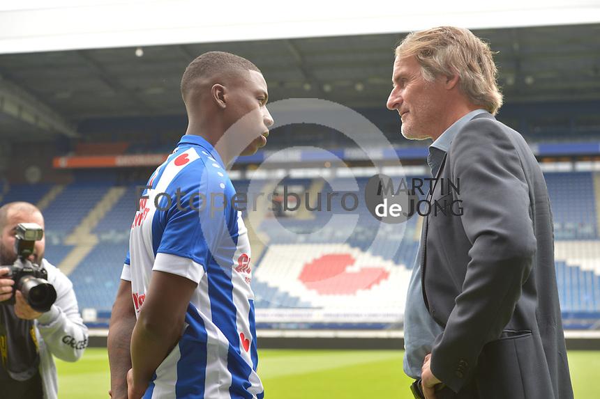 VOETBAL: HEERENVEEN: Abe Lenstra Stadion, 19-06-2018, SC Heerenveen, persprentatie nieuwe speler Sherel Floranus, ©foto Martin de Jong