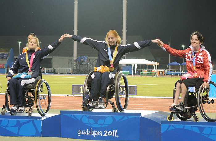 Christy Campbell, Guadalajara 2011 - Para Athletics // Para-athlétisme.<br /> Christy Campbell after receiving her Broze Medal in the 100m - T34 // Christy Campbell après avoir reçu sa médaille de bronze au 100m - T 34. 11/17/2011.