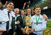 Robert KOVAC, Co-Trainer FRA, Niko KOVAC, Trainer FRA Bruno HUEBNER, Sportdirekgoal , Armin REUTERSHAHN, Co-Trainer FRA, Fredi BOBIC, FRA Vorstandsmitglied, DFB-Pokal, <br /> Football DFB Pokal Finale , Berlin,19.05.2018<br /> FC BAYERN MUENCHEN - EINTRACHT FRANKFURT 1-3<br />  <br />  *** Local Caption *** © pixathlon<br /> Contact: +49-40-22 63 02 60 , info@pixathlon.de
