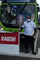 Recife (PE), 26/04/2021 - Protesto-Recife - Por vacina, Rodoviários do Recife e RMR paralisam atividades na manhã desta segunda-feira (26), no centro do Recife, e endereçam carta ao governador.