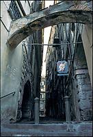 Genova, vicolo --- Genoa, narrow alley