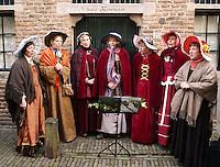 Dickensfestijn in Deventer. Dames zingen