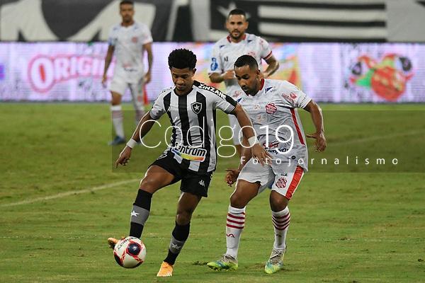 Rio de Janeiro (RJ), 13/03/2021 - Bangu-Botafogo  - Warley jogador do Botafogo,durante partida contra o Bangu,válida pela 3ª rodada da Taça Guanabara,realizada no Estádio Nilton Santos (Engenhão), na zona norte do Rio de Janeiro,neste sábado (13).