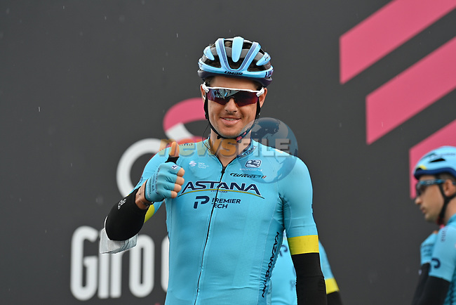 Jakob Fuglsang (DEN) Astana Pro Team at sign on before the start of Stage 9 of the 103rd edition of the Giro d'Italia 2020 running 208km from San Salvo to Roccaraso (Aremogna), Sicily, Italy. 11th October 2020.  <br /> Picture: LaPresse/Gian Mattia D'Alberto | Cyclefile<br /> <br /> All photos usage must carry mandatory copyright credit (© Cyclefile | LaPresse/Gian Mattia D'Alberto)