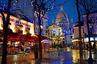 France, Ile-de-France, Paris, Montmartre, Place du Tertre, Ville de Paris, Sacré-Cœur or Sacred-heart at night with christmas lights