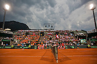 Austria, Kitzbühel, Juli 17, 2015, Tennis, Davis Cup, Second match between Robin Haase (NED and Andreas Haider-Maurer (AUT), pitctured:  changeover in lights<br /> Photo: Tennisimages/Henk Koster