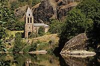 Europe/France/Auvergne/43/Haute-Loire/Chapelle Sainte-Marie-des-Chazes: La vallée de l'Allier