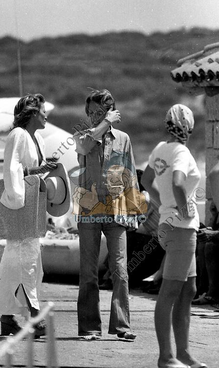 LUCA CORDERO DI MONTEZEMOLO CON SILVIA MONTI<br /> PORTOROTONDO 1974