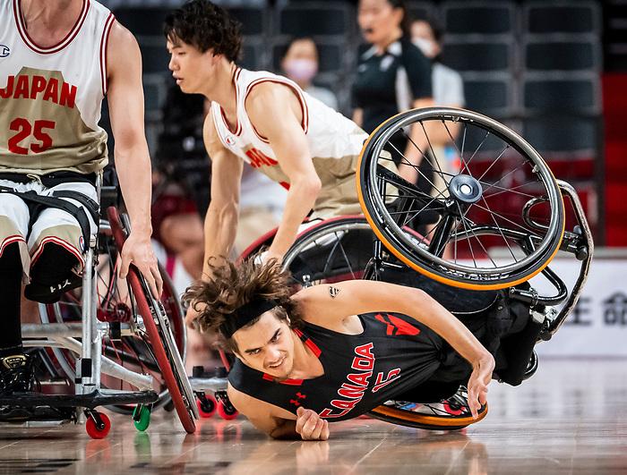 Garrett Ostepchuk, Tokyo 2020 - Wheelchair Basketball // Basketball en fauteuil roulant.<br /> Canada takes on Japan in a men's preliminary game // Le Canada affronte le Japon dans un match préliminaire masculin. 28/08/2021.