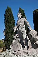 Europe/Espagne/Pays Basque/Guipuscoa/Goierri/Lazkao: Statue  de Lazkao Txiki chanteur de Bertsolari