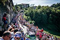 riders up the steepest section towards the Città Alta in Bergamo<br /> <br /> Stage 15: Valdengo › Bergamo (199km)<br /> 100th Giro d'Italia 2017