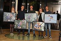 FIERLJEPPEN: SNEEK: Uitreiking winnaars FLB Friese Poort Klassement, v.l.n.r. Sigrid Bokma (Famkes), Freark Kramer (Jonges), Wietse Nauta  (Junioaren), Marrit van der Wal (Froulju), Nard Brandsma (Senioaren), ©foto Martin de Jong