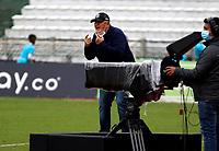 MANIZALES- COLOMBIA,  06-02-2021..Eduardo Lara director técnico del Once Caldas gesticula durante partido por la fecha 5 entre Once Caldas y Envigado como parte de la Liga BetPlay DIMAYOR 2021 jugado en el estadio  Palogrande de la ciudad de Manizales. / Eduardo Lara coach of Once Caldas  gestures during Match for the date 5 between Once Caldas  and Envigado as part of the BetPlay DIMAYOR League I 2021 played at Palogrande stadium in Manizales city. Photo: VizzorImage /John Jairo Bonilla / Contribuidor