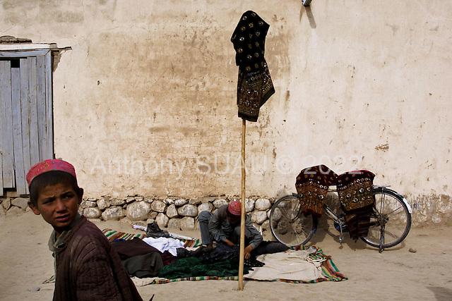 Northern Afghanistan<br /> October 2001<br /> <br /> Khosh Bakhaubin market.