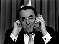 ID :  pr_88-02-22-A  32.jpg<br /> <br /> D&K :  Montreal, Feb 22, 1988 File Photo<br /> media tycoon Robert Maxwell answer his cellular phone while siting at the head table, moments befor adressing the Canadian Club in Montreal (Quebec, Canada) on Febuary 22, 1988.<br /> <br /> Robert Maxwell died a few later in mysterious circonstances.<br /> <br /> Photo by Pierre Roussel, (c) 1988<br /> <br /> NOTE :  THIS IMAGE IS A BIT OUT OF FOCUS AND NEED  UN / SHARPENING.