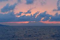 - Naples, the Vesuvius volcano seen from the sea at dawn....- Napoli, il vulcano Vesuvio visto dal mare all'alba