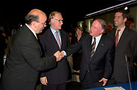 June 6 , 2002, Montreal, Quebec, Canada<br /> Frank Zampino, Montreal City Executive Commitee (L) <br /> Gerald Tremblay, Montreal (new) Mayor (M-L)<br /> Bernard Landry, Quebec Premier (M-R), <br /> Andre Boisclair, Quebec Minister Municipal Affairs, Quebec Minister Environment<br /> shake hands after signing a partnership agreement between the Quebec Gouvernment and the <br /> new City of Montreal (after all cities on the Montreal islanf merged with Montreal City), <br /> at the closing of the Montreal Summit (Le Sommet de MontrÈal), June 6, 2002<br />  <br /> Mandatory Credit: Photo by Pierre Roussel- Images Distribution. (©) Copyright 2002 by Pierre Roussel
