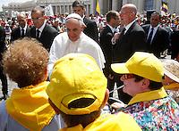20130512 VATICANO: PAPA FRANCESCO CELEBRA UNA MESSA DI CANONIZZAZIONE