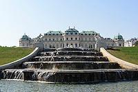 Blick über französischen Garten auf Oberes Belvedere, Wien, Österreich, UNESCO-Weltkulturerbe<br /> French garden and upper Belvedere in Baroque summer residence Belvedere, Vienna, Austria, world heritage