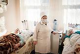Zum Ausbruch der Krankheit kommt es, wenn das<br />Immunsystem eines Menschen durch unzureichende Ernährung<br />oder durch Erkrankungen geschwächt ist. Krankenstation<br />Chisinau. // Moldova is still the poorest country of Europe. Hopes to join the European Union are high. After progress in the past years tuberculosis is on the rise again. The number of new patients raise since 2010 and is on a level that has not been reached since the late 90s.