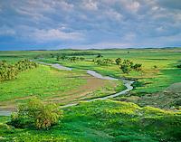Grand River flows across prairie at Grand River National Grassland, north of Bison, South Dakota, AGPix_0295.