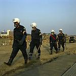 On March 11, 2011, earthquake of magnitude 9.0 and devastating tsunami hit the Tohoku area, killing more than 15,000 people and missing more than 5,000 people. After looking for bodies in Ofunato, Iwate, police go back to their base. As of August 26, 2011, 336 people died, and 114 people are still missing only in Ofunato.<br /> <br /> Le 11 mars 2011, un séisme de magnitude 9,0 et un tsunami dévastateur ont frappé la région de Tohoku, faisant plus de 15 000 morts et plus de 5 000 disparus. Après avoir recherché les corps à Ofunato, Iwate, la police retourne à sa base. Au 26 août 2011, 336 personnes étaient décédées et 114 personnes sont toujours portées disparues à Ofunato.