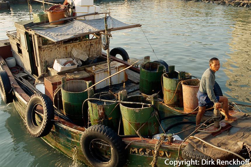 Fischerboot in Cheung Chau, Hongkong, China