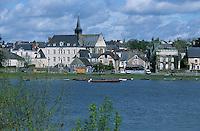 Europe/France/Pays de la Loire/Maine-et-Loire/Bouchemaine : Le village et la Loire