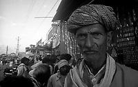 11.2010 Pushkar (Rajasthan)<br /> <br /> Portrait of a man during the fair.<br /> <br /> Portrait d'un homme pendant la foire.