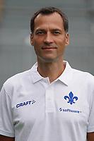 Co-Trainer Kai Peter Schmitz (SV Darmstadt 98) - 27.08.2020: SV Darmstadt 98 Mannschaftsfoto, Stadion am Boellenfalltor, 2. Bundesliga, emonline, emspor<br /> <br /> DISCLAIMER: <br /> DFL regulations prohibit any use of photographs as image sequences and/or quasi-video.