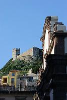 Castello Malaspina (12.Jh.) und Kathedrale in Bosa,  Provinz Oristano, West - Sardinien, Italien