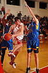 Brant Flowers looks to pass off to a teammate at St. Thomas High School Friday  Feb. 2,2007.(Dave Rossman/For the Chronicl01
