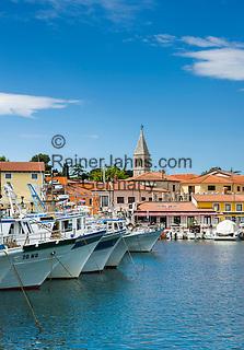 Croatia, Istria, Novigrad: fishing boats at Port Novigrad and parish church St Pelagius   Kroatien, Istrien, Novigrad: Fischerboote im Hafen Port Novigrad und Pfarrkirche des Hl. Pelagius