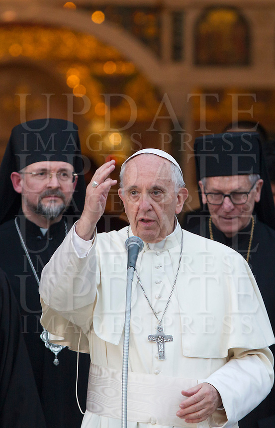 Pope Francis greets faithful at the end of his visit to the Basilica of Santa Sofia and to the Ukrainian greek-catholic community, in Rome January 28, 2018.<br /> <br /> UPDATE IMAGES PRESS/Riccardo De Luca<br /> <br /> STRICTLY ONLY FOR EDITORIAL USE