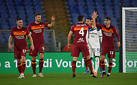 Football, Serie A: AS Roma - Atalanta Olympic stadium, Rome, April 22, 2021. <br /> Roma's Bryan Cristante (lsecond R) celebrates after scoring with is teammates  during the Italian Serie A football match between AS Roma and Atalanta at Rome's Olympic stadium, Rome, on April 22, 2021.  <br /> UPDATE IMAGES PRESS/Isabella Bonotto